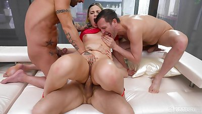 Inexact anal for the big ass hottie in scenes of group XXX