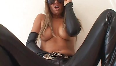 Cute cowgirl can't cock a snook at a big black cock in her pussy