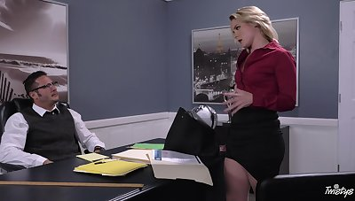 Hot business babe Lisey Sweet gives a rafter something to under consideration